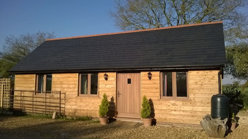 The Stable By The Woods - perfect for 2! - Alderholt - Chalet
