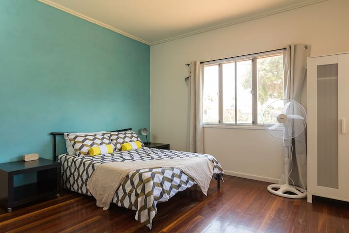 Beach house in Scarborough Brisbane with wifi - Scarborough - Casa