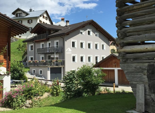 Casa Radieni in Flond GR (Teil), Nähe Flims/Laax - Flond - Leilighet