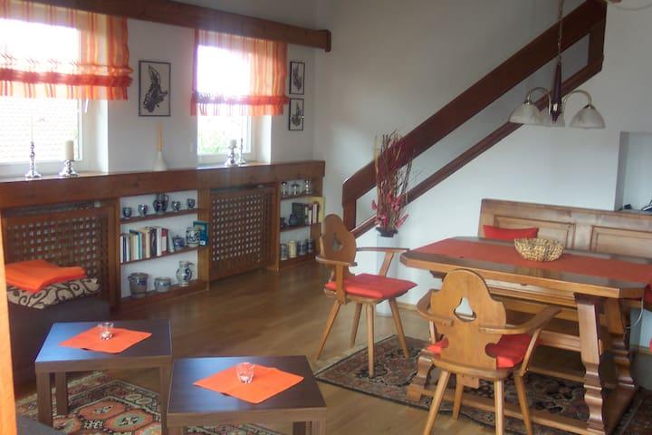 Gemütliche Ferienwohnung mit Bergblick - Grabenstätt - Appartement