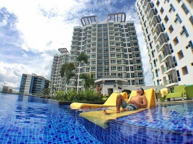 1BR MACTAN NEWTOWN+Luxury+Wifi+Pool - Lapu-Lapu City - Departamento