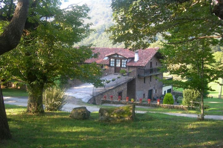 Casa Rural para grupo en Baztan - Erratzu - Casa