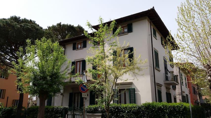 HIGH STANDARD APARTMENT - Montecatini Terme - Leilighet