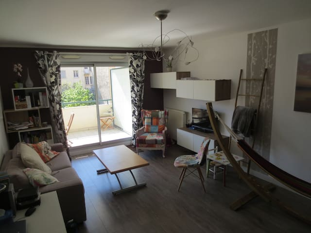 70m2 Flat with terrasse in Confluence - Lyon - Leilighet
