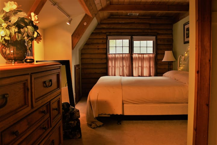 Rent this King Bed Room  in Our Cozy Log Cabin - Twin Peaks - Bed & Breakfast
