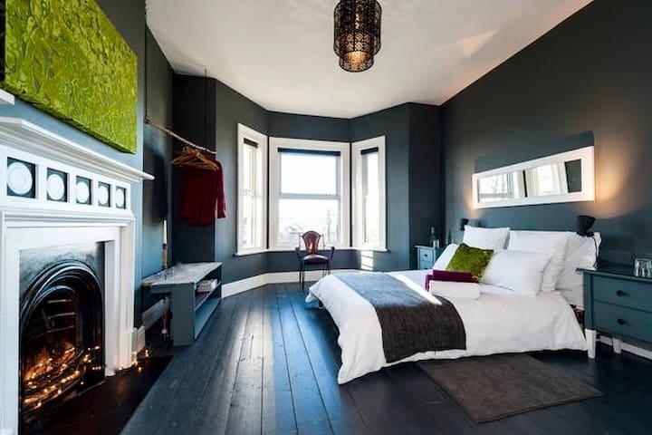 Stylish Bedroom & Beautiful Large Private Bathroom - Sudbury