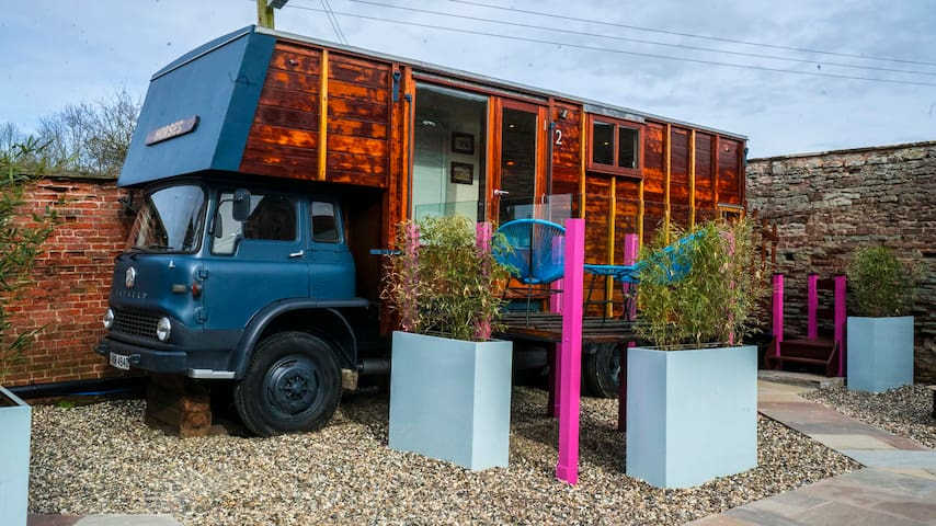 Vintage Horsebox Glamping - Peterstow - Zomerhuis/Cottage