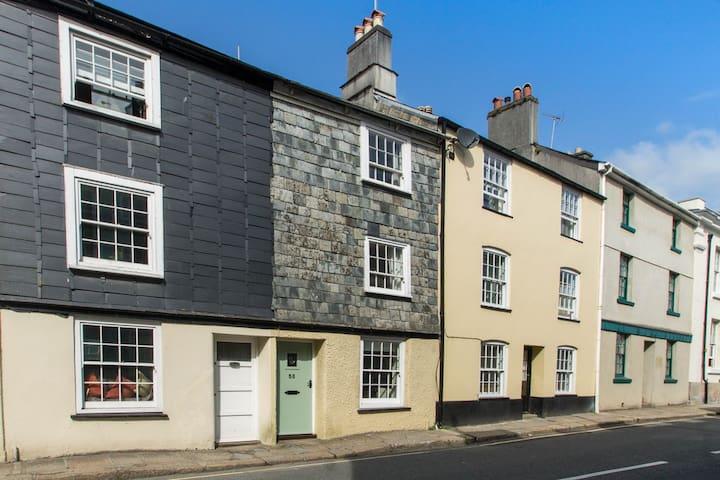 Tavistock Holiday Cottage -  56 West Street, Tavy - Tavistock