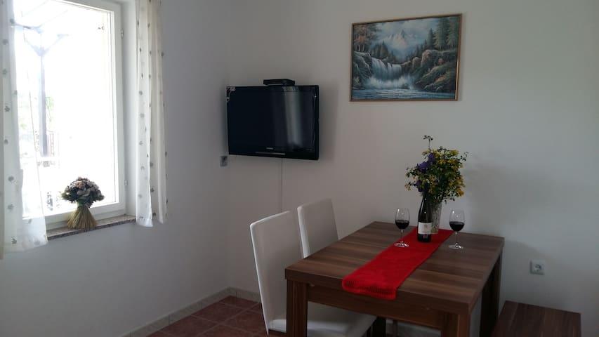 Cosy apartment, 150m to the beach [20% OFF!! JUNE] - Jadranovo - Byt