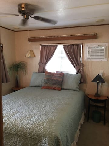 Desert Oasis 1 bedroom Mobil home - Desert Hot Springs - Huis