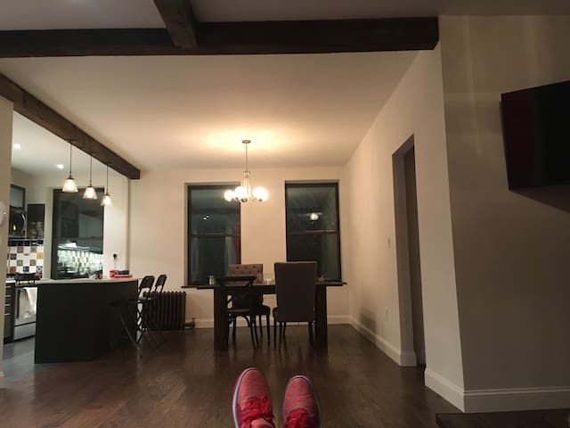 LARGE 2 Bedroom newly renovated - Brooklyn - Wohnung