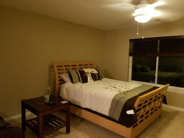 Convenient Room in Quiet Location - Falls Church - Lyxvåning