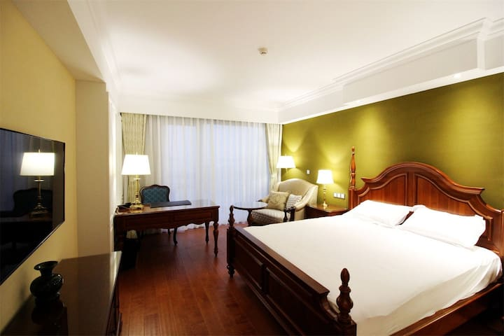 极地海洋世界,超舒适180度海景大床房,青岛爱玲海景度假酒店 - Qingdao - Villa