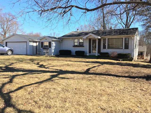 Golf & Ski-Affordable Year Round Home - Twin Lakes
