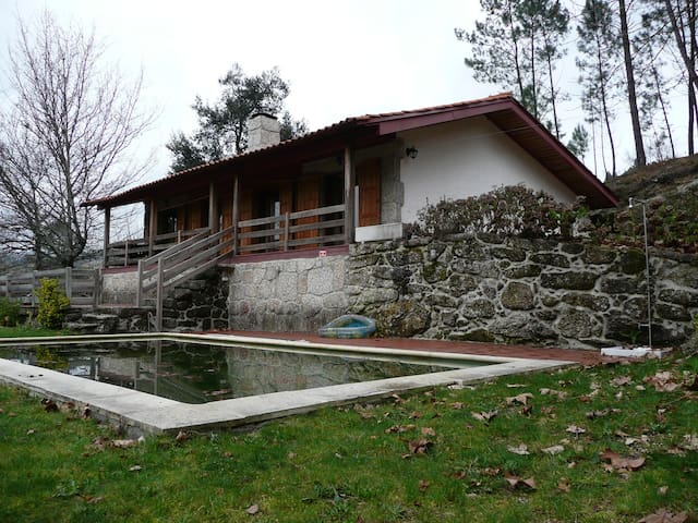 Rustic house with pool in a beautiful farm - Vieira do Minho