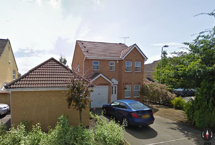 Well presented home near Cardiff and Vale Resort - Miskin - Casa