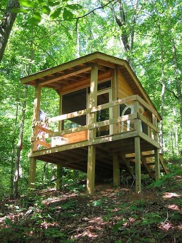 Camping at it's best. Some call it Glamping! - Howardsville - Cabaña en la naturaleza