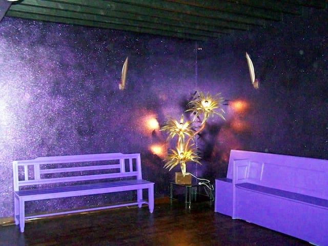 Logement avec mini discothèque à 1h de Paris ! - Heudreville-sur-Eure - Casa