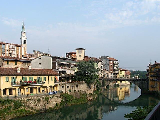 Bilocale comodo per Bergamo e Mi Salone del mobile - Ponte San Pietro - 公寓