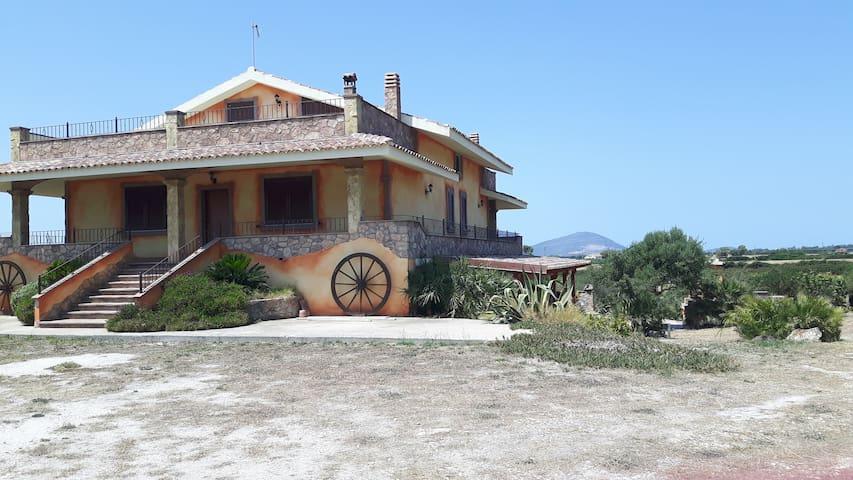 splendida villa immersa nella campagna - Olmedo - Vila