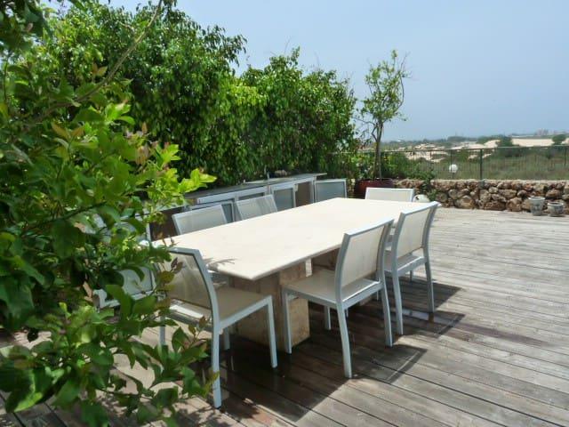Secret Garden Apartment in Neot Golf - Caesarea - Huoneisto