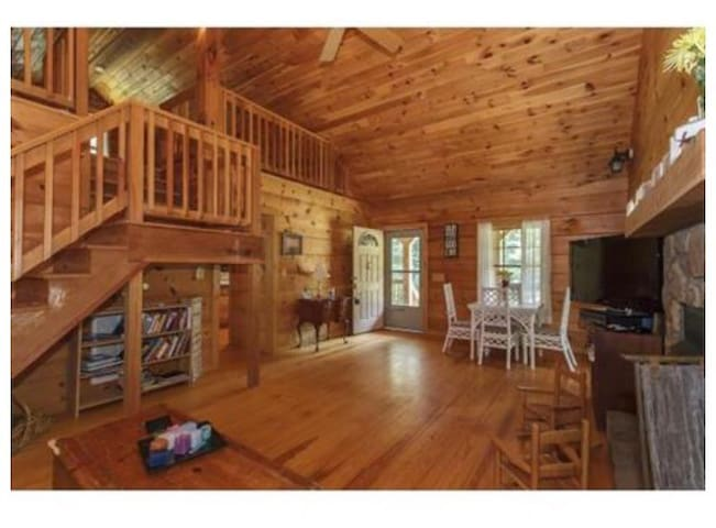 Cute log cabin in the woods - Mebane - Huis