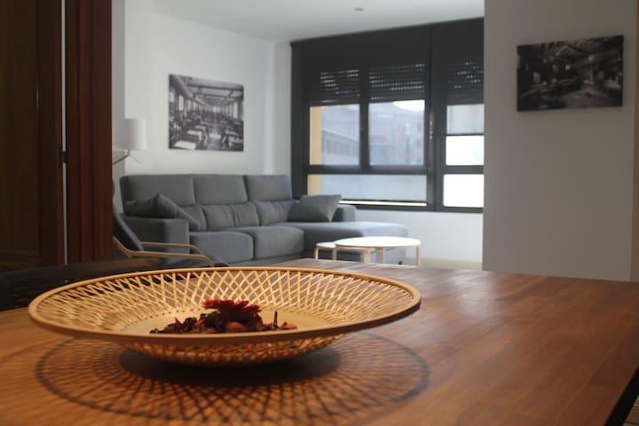Apartament ampli al centre de Manresa - Manresa - Apartmen