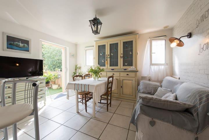 Chambre chaleureuse à Saint-Tropez - Saint-Tropez - Departamento