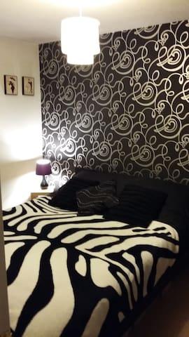 Chic room - Middlewich - Ev
