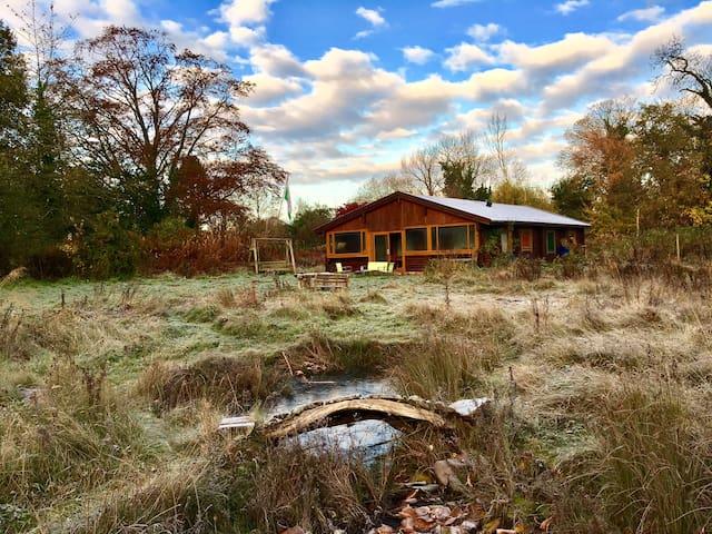 Finnish Log Cabin in Welsh Village - Penley - Cabaña