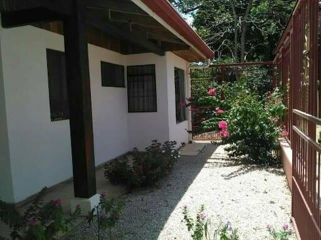 Habitaciones en casa privada - Nicoya - Casa