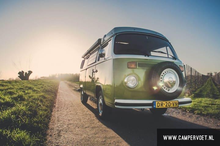 Volkswagen T2 T3 camper huren - Asperen - Hus