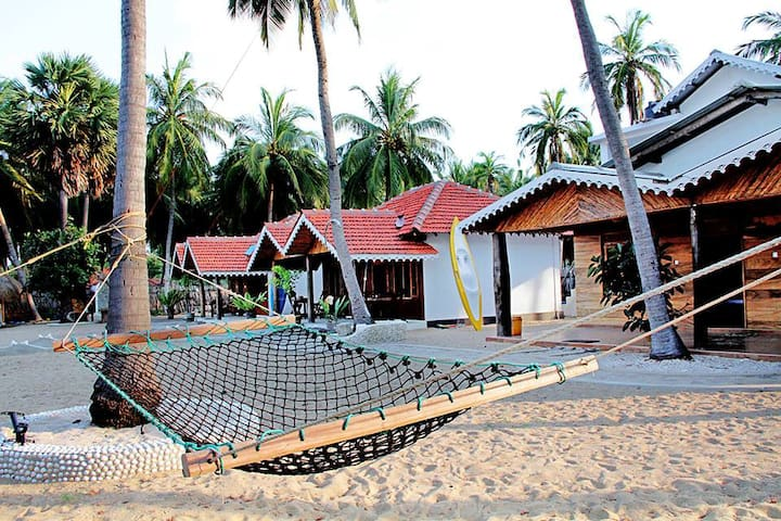 Kite Surfing Beach Resort Room 102 - Kalpitiya - Cabaña en la naturaleza
