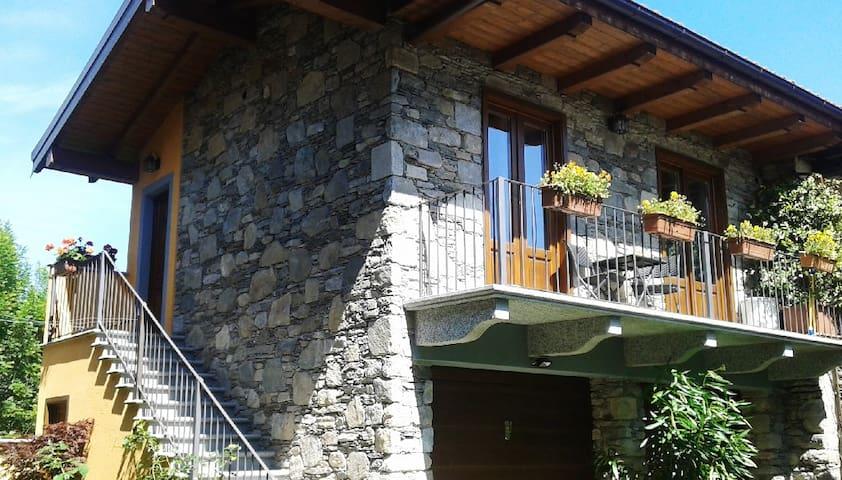 LittleStoneHouse - a Orta-Miasino - Miasino