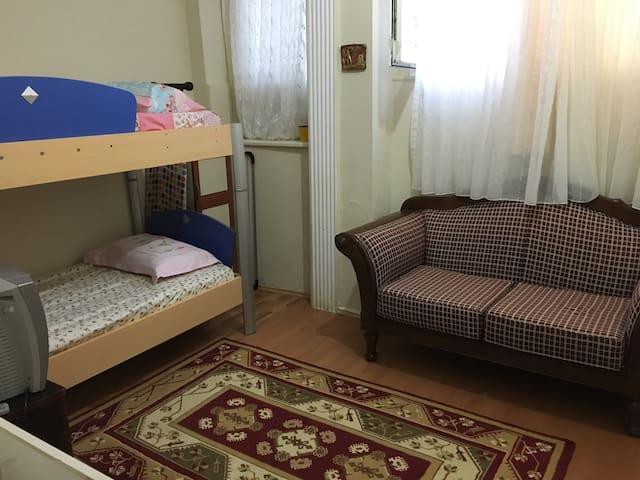 [ a quiet room in the city center ] - Bursa - Appartement