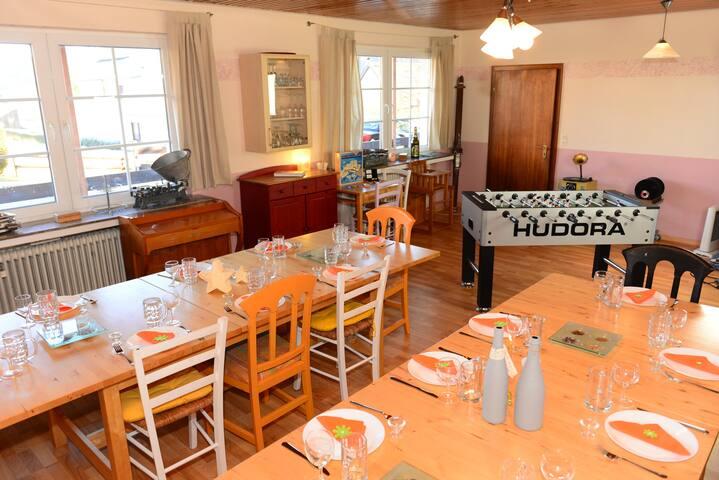 Ferienhaus für Selbstverpfleger bis zu 25 Personen - Medelon - Apartamento