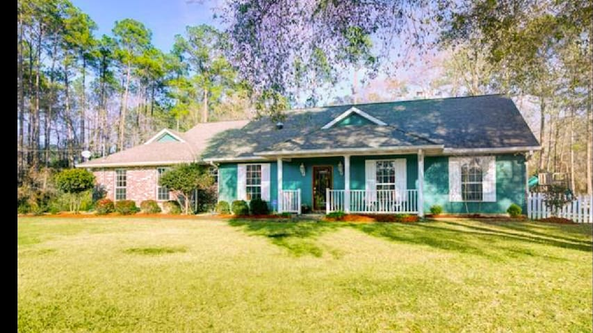 Quiet country feel, close to NOLA! - Covington - Huis