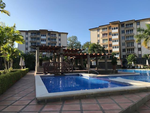 Resort-style luxury accessibly priced. - Jaco - Kondominium