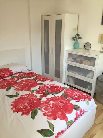 Ideal Double Bedroom Quiet and Cozy - London - Apartemen