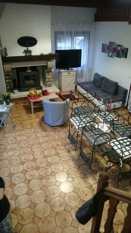chambres dans maison calme entourée de verdure - Varennes-Changy