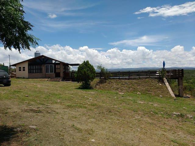 Cabaña con pileta en Parque Siquiman - Villa Parque Síquiman - Stuga